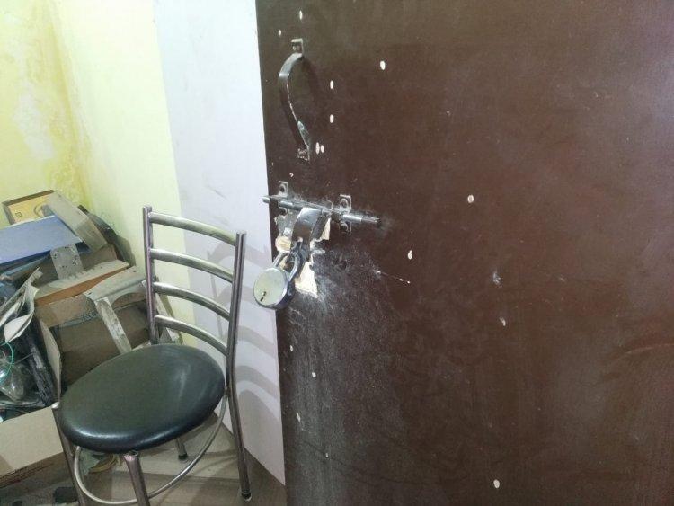 मोबाइल की दुकान से नगद समेत लाखों के समान पर चोरों ने किया हाथ साफ