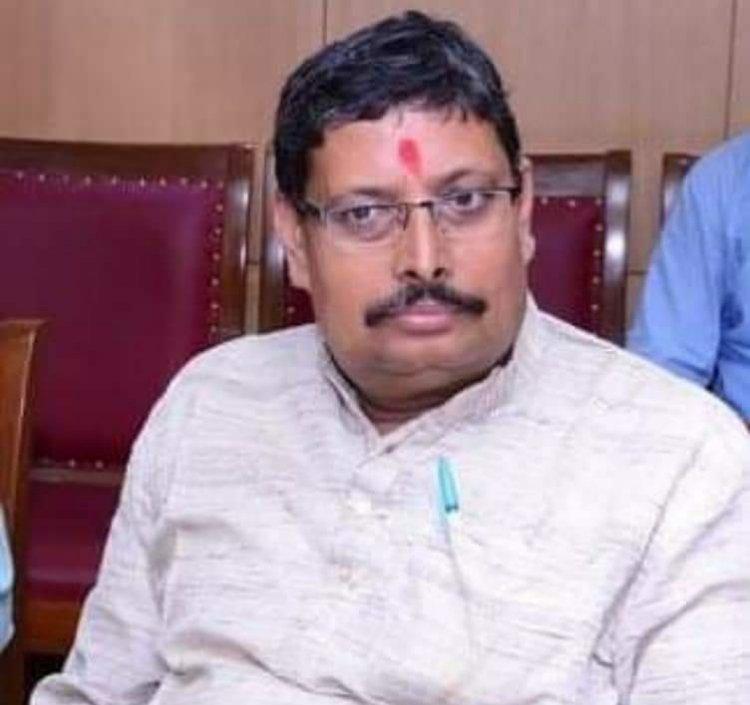 प्रोफेसर हरेराम त्रिपाठी बने सम्पूर्णानंद संस्कृत विश्वविद्यालय के कुलपति, जाने उनके बारें में...