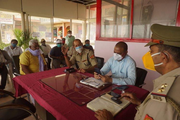 वैक्सीनेशन के बाद गंगा में चलेंगी नावें, अधिकारियों ने नाविकों संग की बैठक, ACP दशाश्वमेघ बोले...
