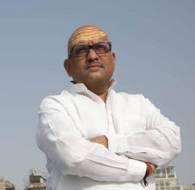 गंगा के अर्धचंद्राकार स्वरुप को खत्म करना चाहती है मोदी सरकार: अजय राय