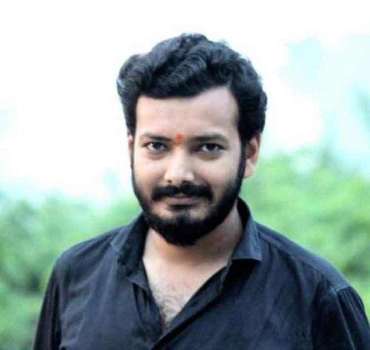 अवनिन्द्र कुमार सिंह, संपादक-भदैनी मीरर