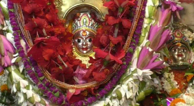 #Photos: नवरात्र के तीसरे दिन चन्द्रघन्टा की हो रही जय-जयकार, जाने क्या है महात्म्य...
