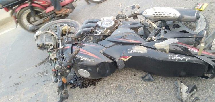 सड़क दुर्घटना में एक युवक की मौत, दूसरा घायल, तेज रफ्तार बनी वजह